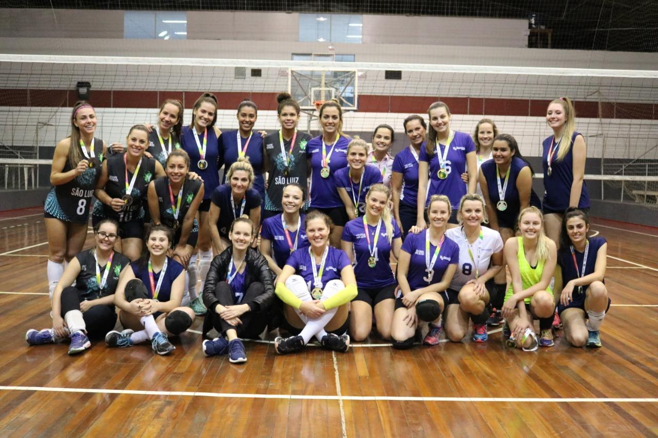 Maluche é pentacampeão do vôlei feminino; Planalto e Centro farão a final do futsal livre dos Jogos Comunitários