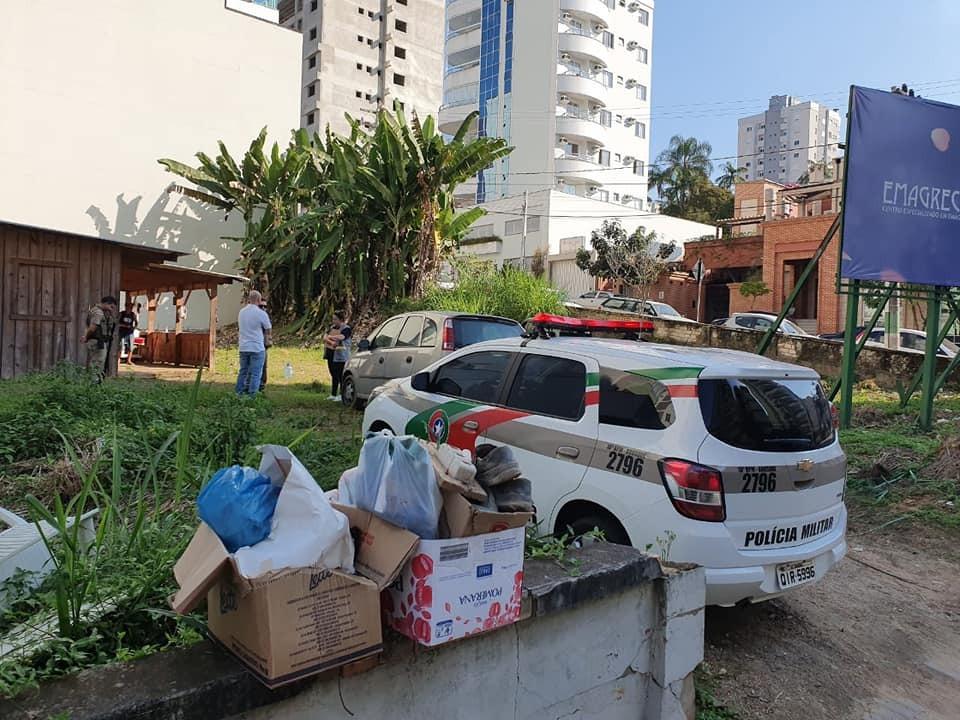 Prefeitura realiza abordagem social e encaminha três casais para albergue municipal