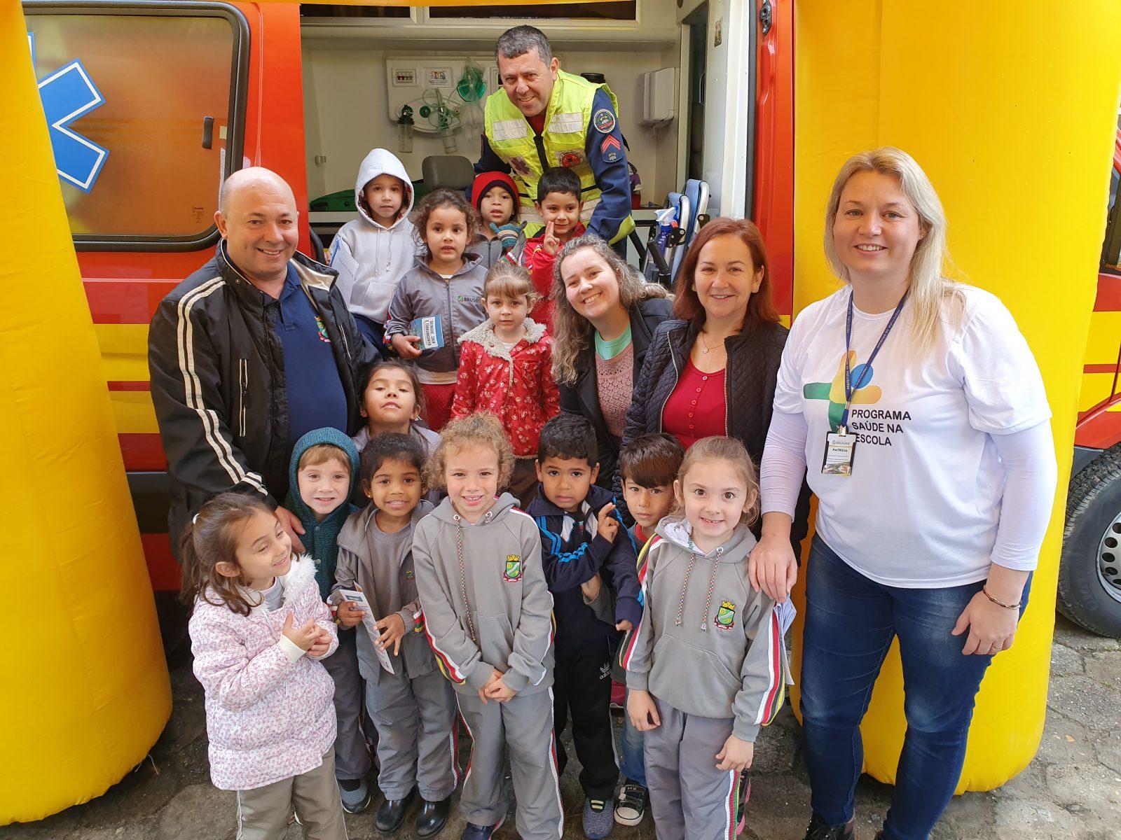 Alunos da Escola João Hassmann participam de Feira de Saúde