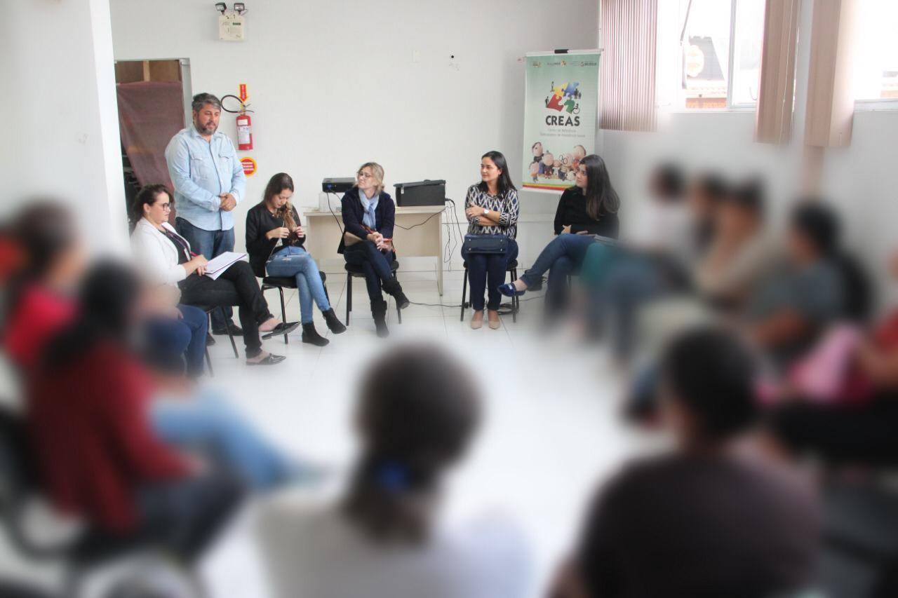 Em parceria com o Dpcami, Secretaria de Assistência Social realiza roda de conversa com mulheres com direitos violados