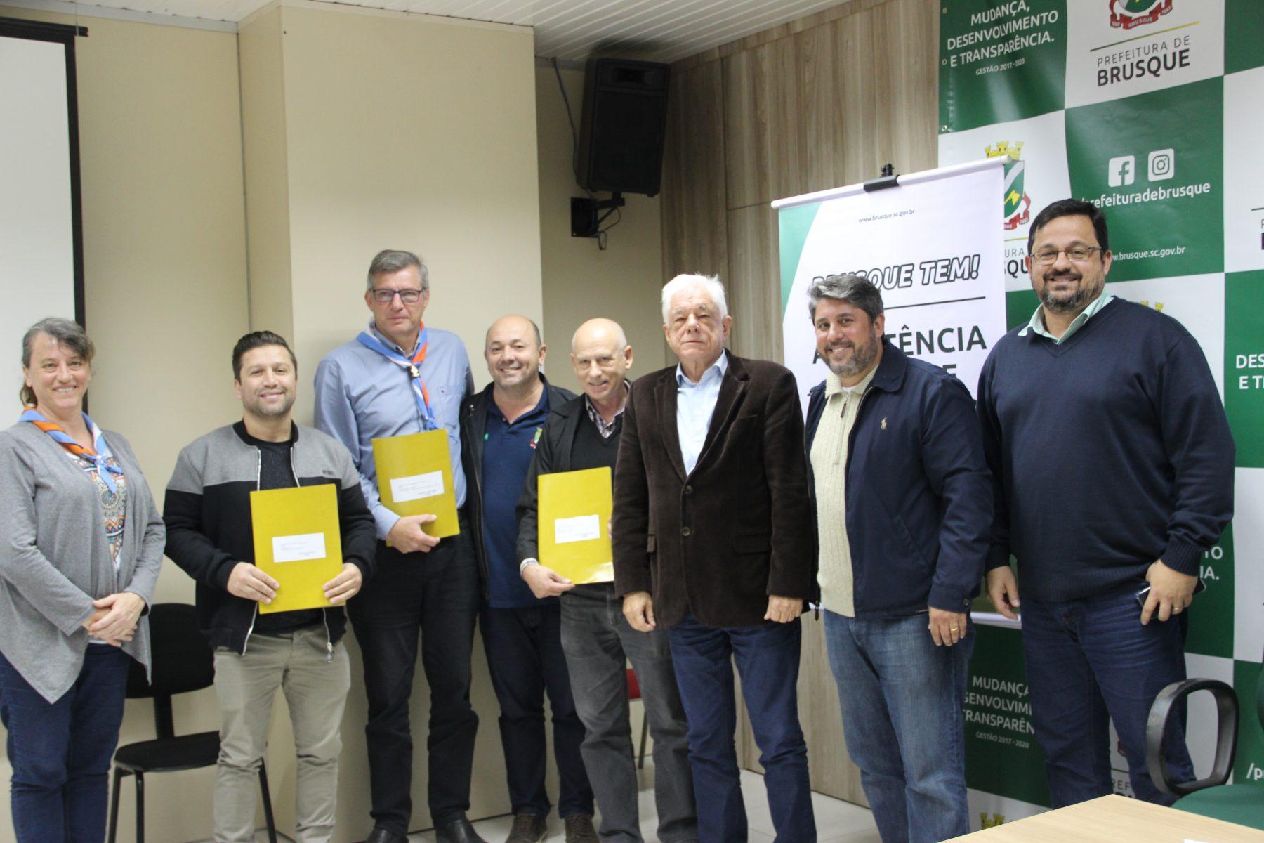Prefeitura assina convênios do FIA