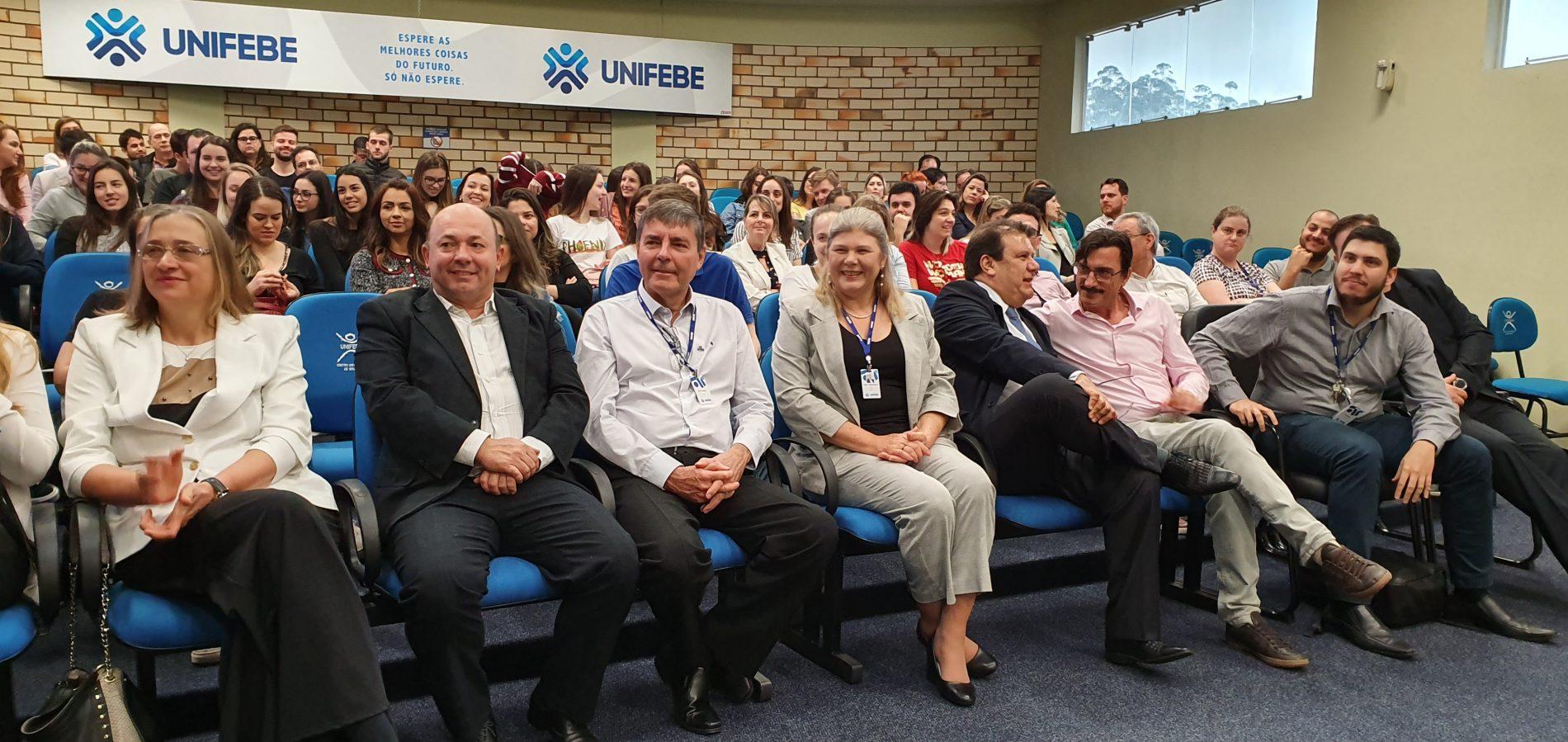Prefeitura e Unifebe promovem Seminário de Integração de médicos com acadêmicos de medicina