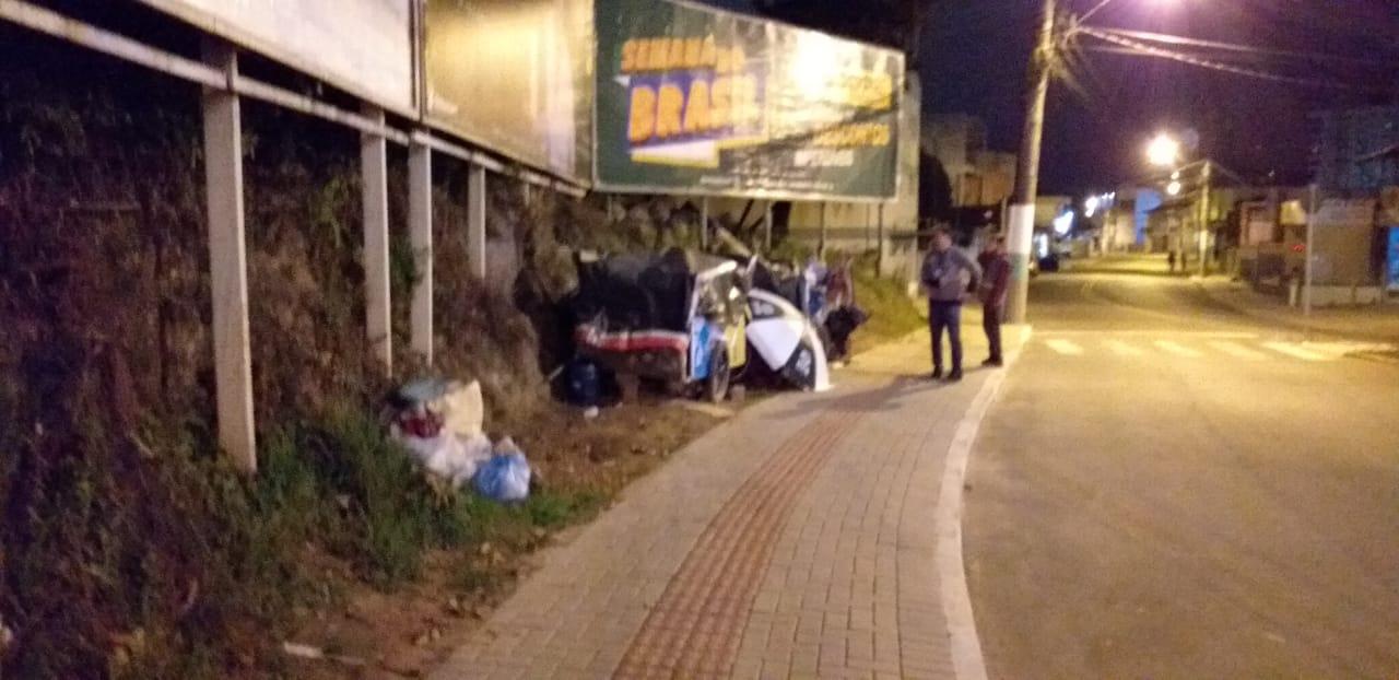 """Abordagem Social da Prefeitura direciona moradores que montaram """"acampamento"""" no Santa Rita para o albergue municipal"""