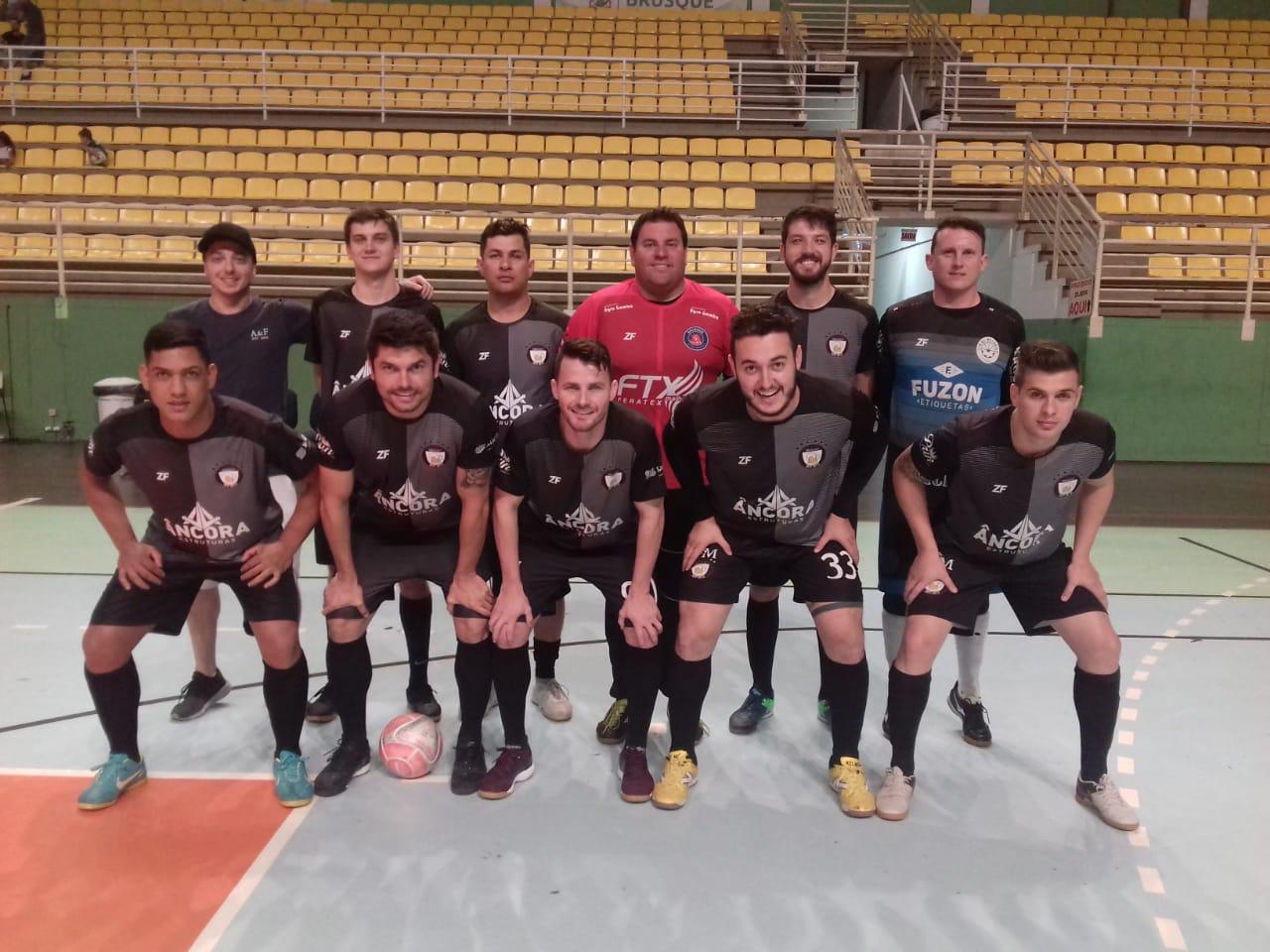 Segunda rodada do Municipal de Futsal Amador de Brusque tem goleada do Verruckt e triunfo do Reímax