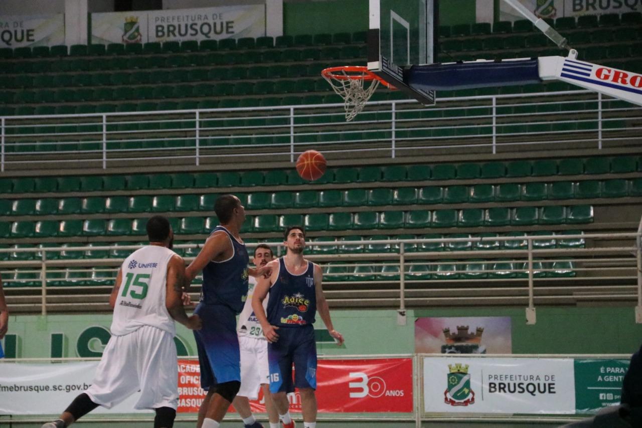 Brusque Basquete/FME recebe Videira e Concórdia neste fim de semana pelo Campeonato Estadual de Basquetebol Adulto