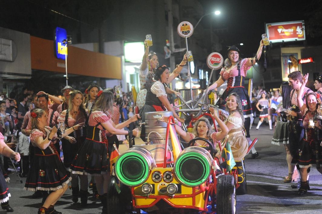 Reunião sobre desfile da Fenarreco é nesta segunda-feira (30)