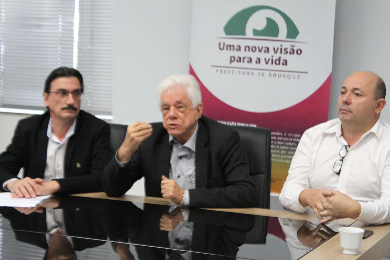 Prefeitura anuncia mutirão de cirurgias de catarata