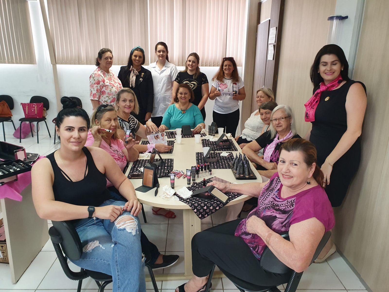 Ação na UBS Santa Luzia e encontro de Mulheres Polivalentes encerram atividades do Outubro Rosa em Brusque