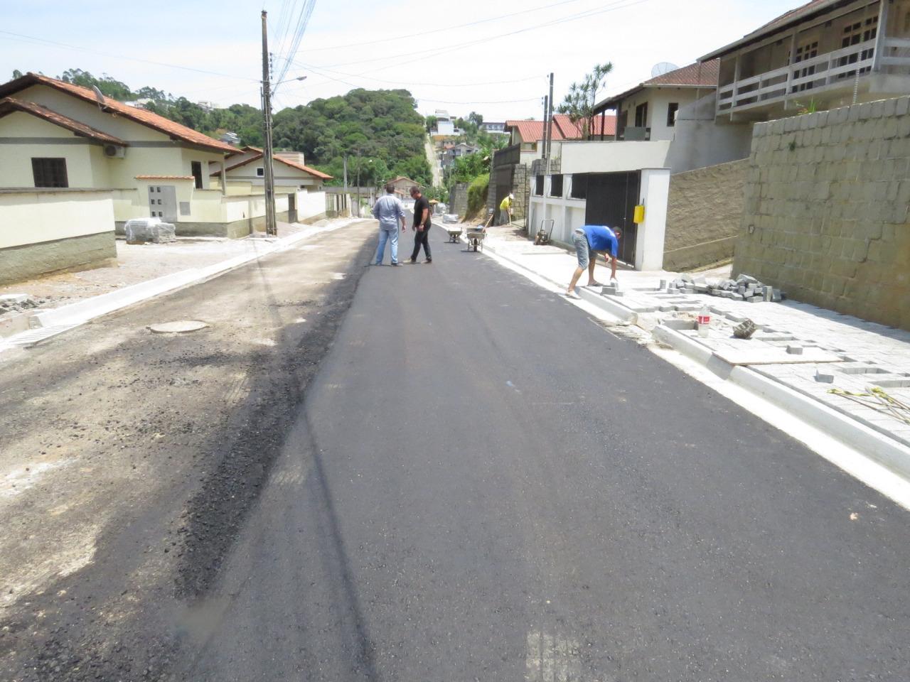 Finalizada obra de drenagem e pavimentação na rua José Rudolf Júnior