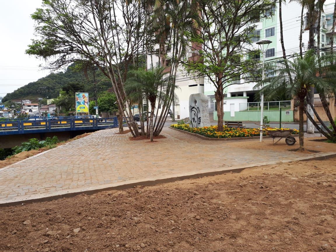Vida nova para a praça do bairro Guarani