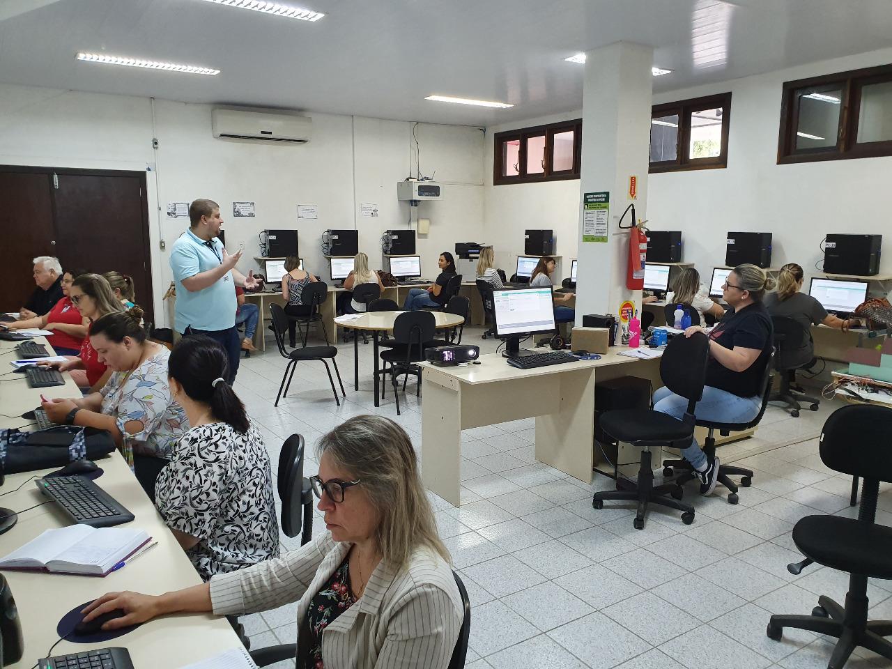 Controle de estoque do almoxarifado da Saúde é tema de Oficina com servidores