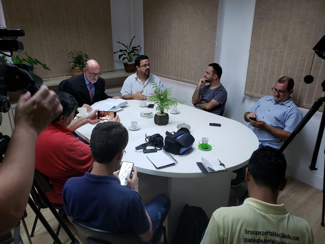 Procedimento administrativo indica possíveis irregularidades no fornecimento de alimentos a prefeitura
