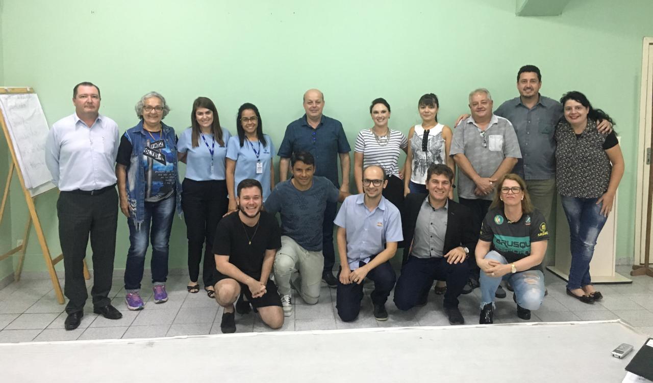 Reunião do COMJUV apresenta projeto de empreendedorismo