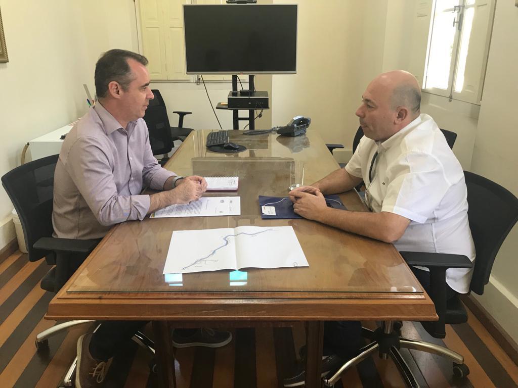 Em audiência no Badesc, prefeito em exercício discute continuação do prolongamento da avenida Beira Rio (Margem Direita)