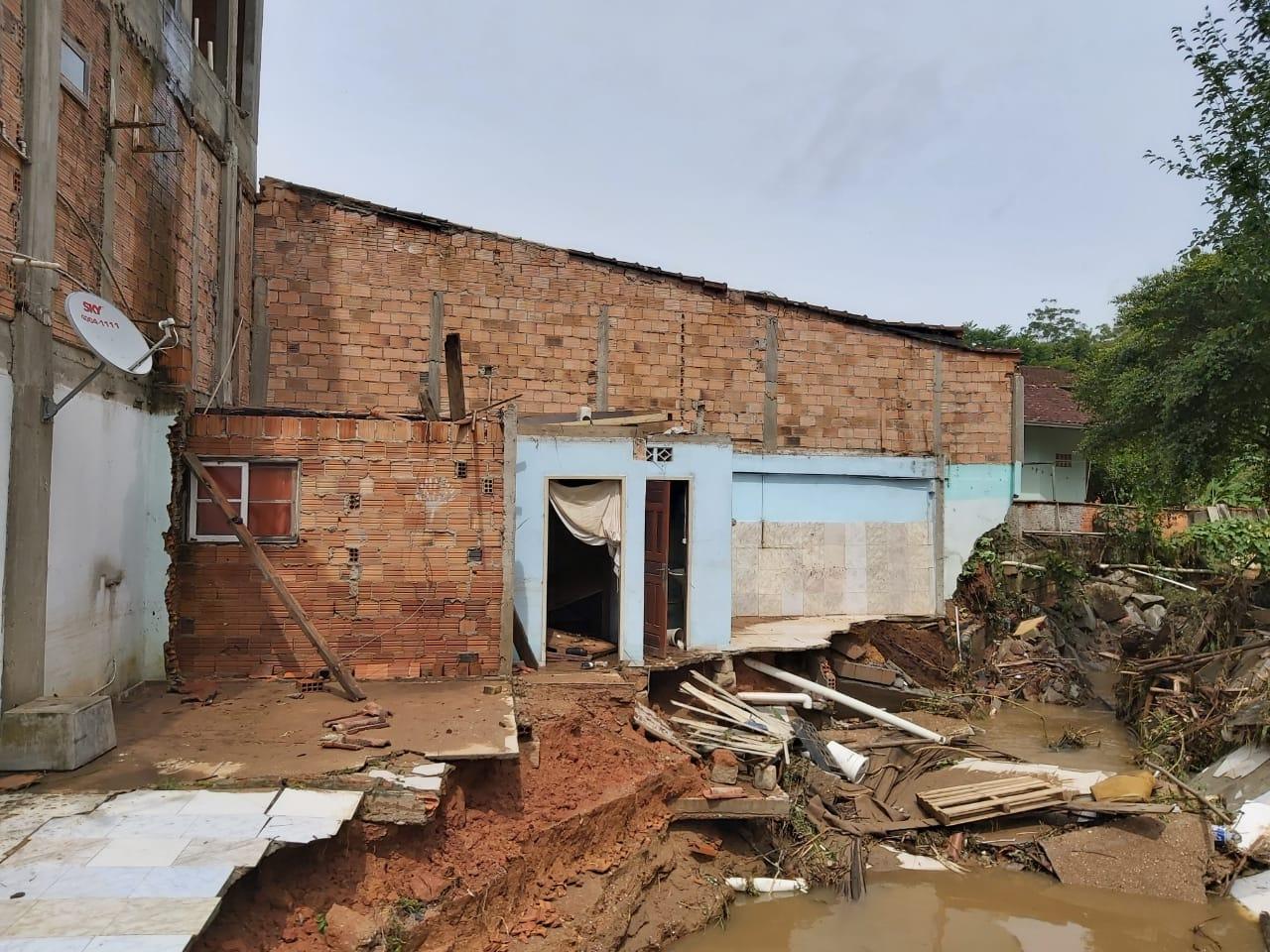 Prefeitura de Brusque decreta situação de emergência após chuvas do final de semana