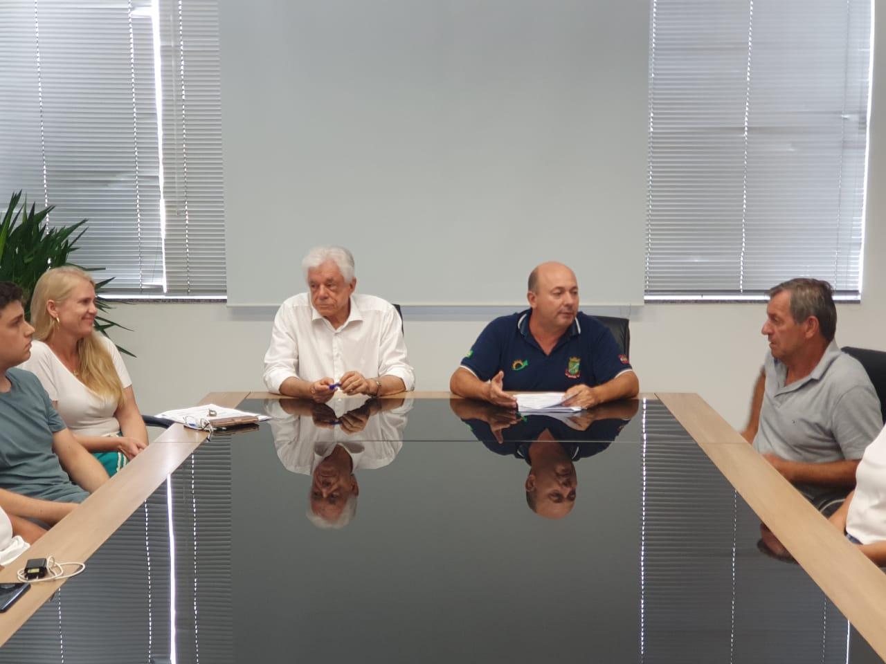 Prefeitura assina Ordem de Serviço para drenagem e pavimentação na rua Poço Fundo