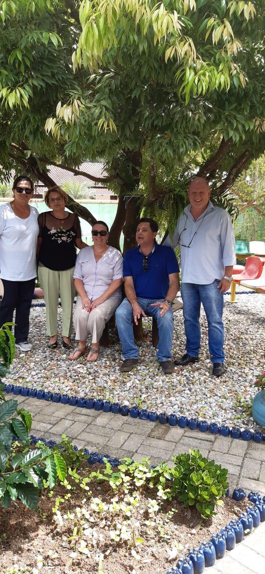 Projeto Nossa Escola Nosso Lar é apresentado para gerente de Agricultura de Tubarão