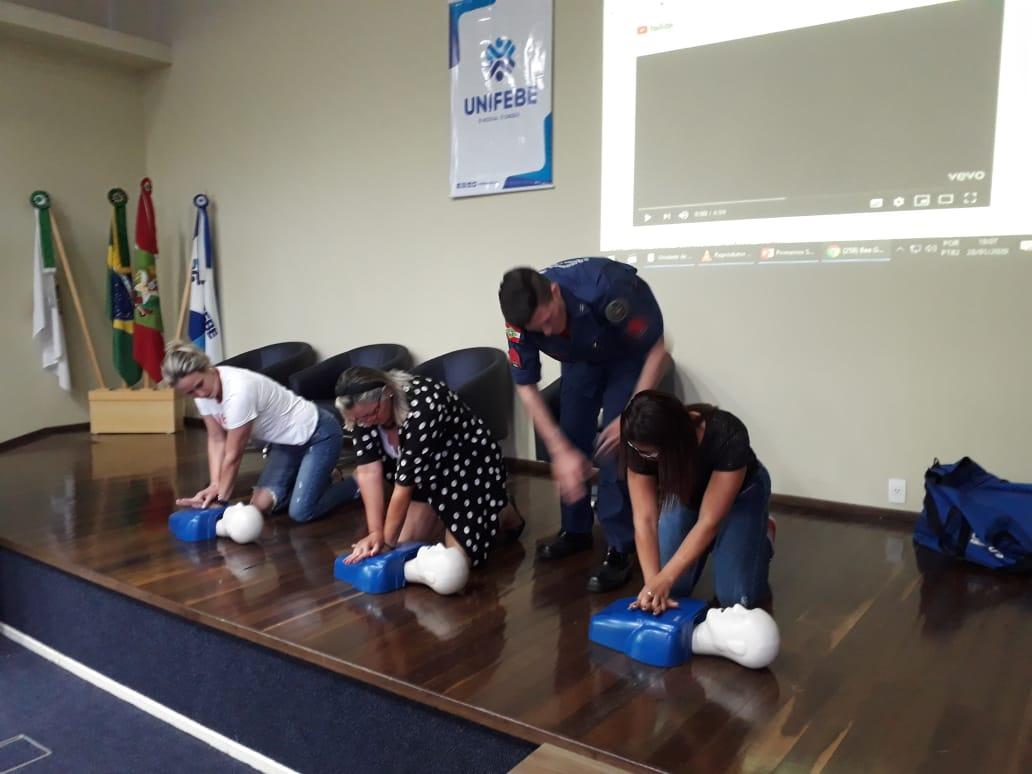 Secretaria da Educação realiza formação sobre primeiros socorros com apoio do Samu e do Corpo de Bombeiros