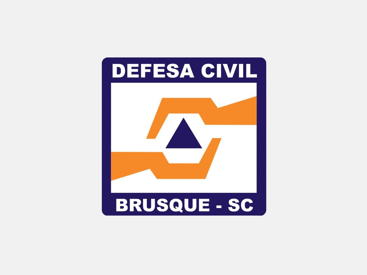 Defesa Civil pede atenção dos motoristas em pontos de alagamento