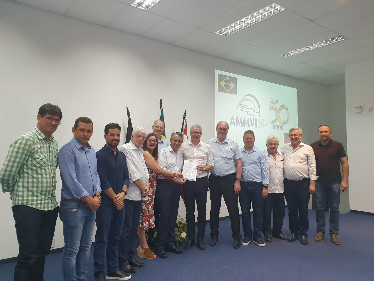 Comitiva de Karlsruhe visita AMMVI a convite de Brusque