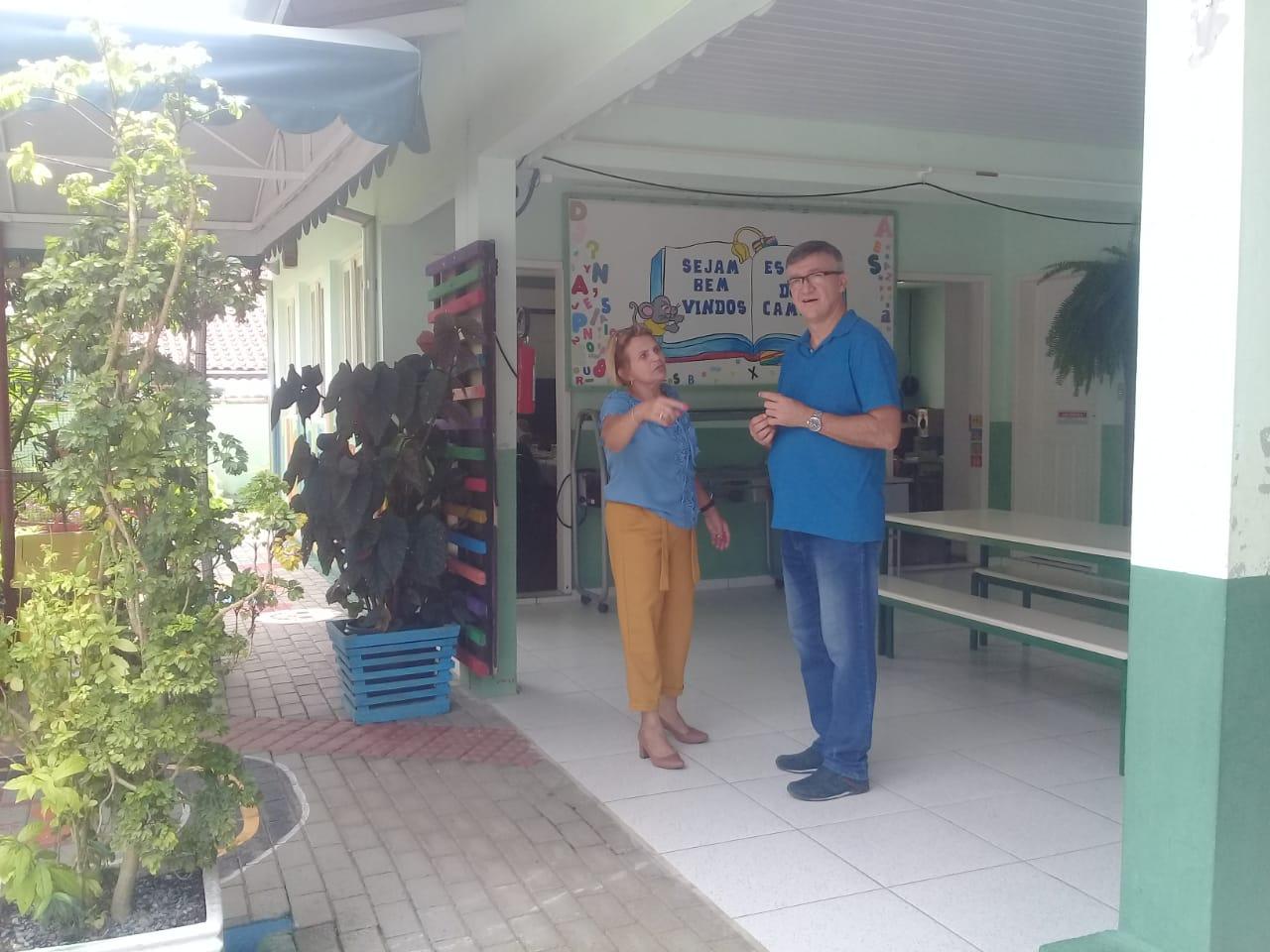 Escolas de campo de Brusque são visitadas pelo Secretário da Educação de Pomerode