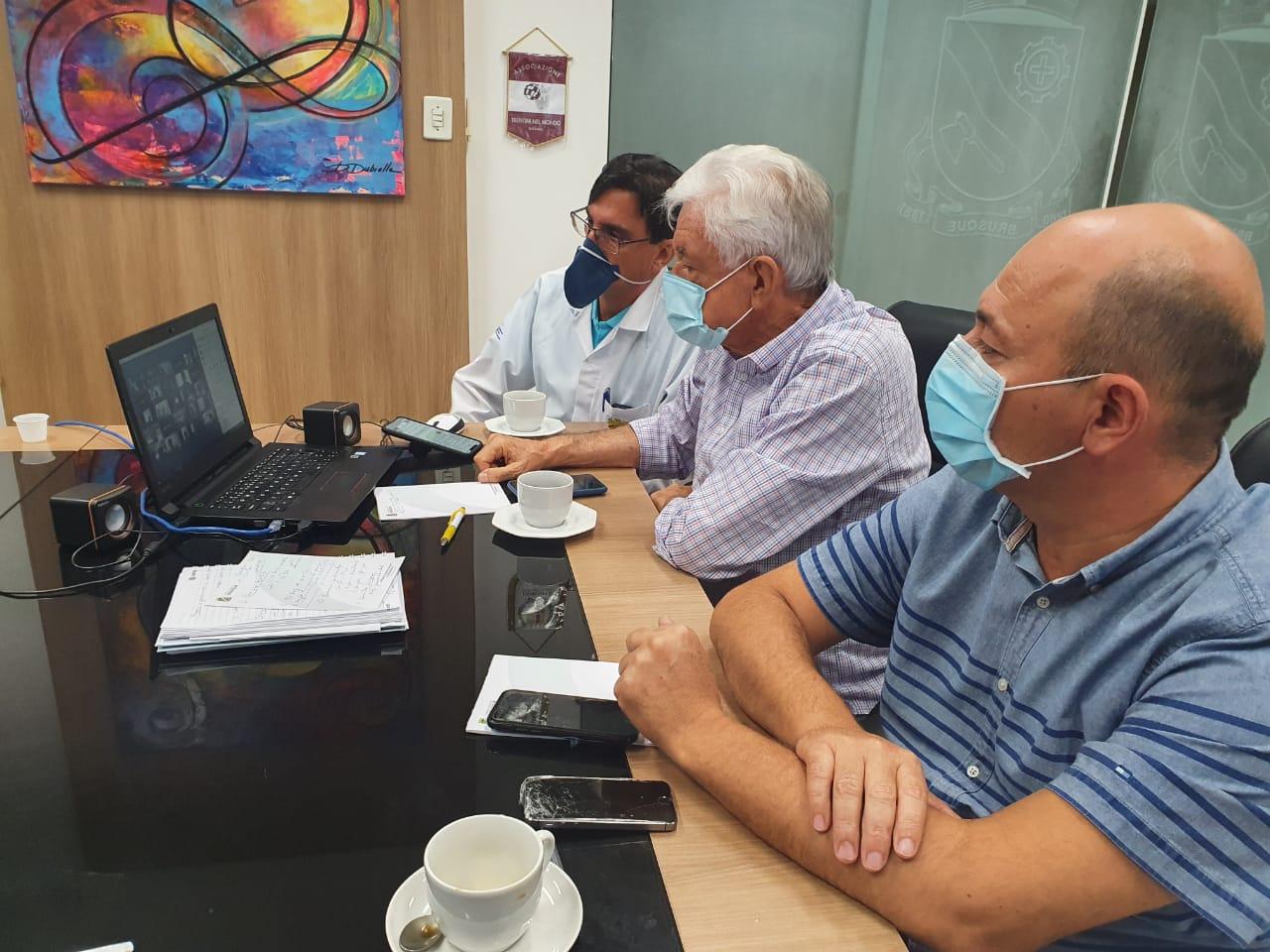 Prefeito de Brusque sugere a reabertura gradual do comércio  com regras específicas para evitar o contágio do coronavírus