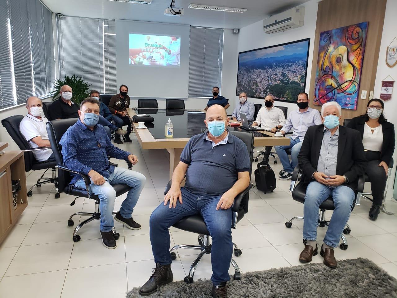 Prefeitura, entidades e imprensa lançam campanha de incentivo ao negócio local