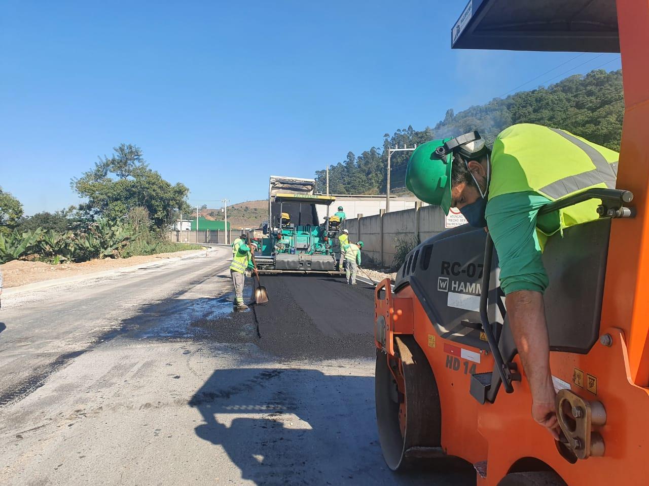 Entra na reta final a pavimentação asfáltica da Estrada da Fazenda