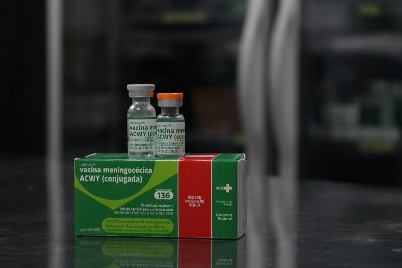 Adolescentes de 11 e 12 anos já podem se vacinar contra meningite na rede pública