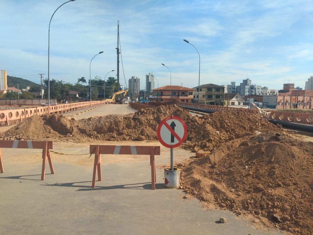 Trânsito de pedestres na Ponte Mário Olinger será interrompido na sexta-feira e sábado