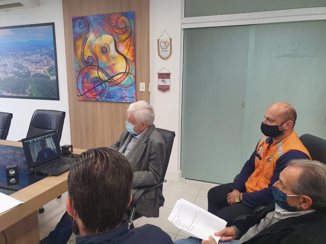 Ciclone: Prefeito de Brusque participa de reunião on-line com governador