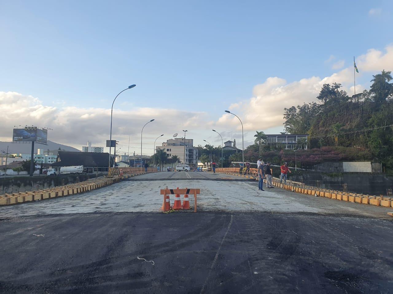 Trânsito na Ponte Mário Olinger será liberado nesta quinta-feira (6)