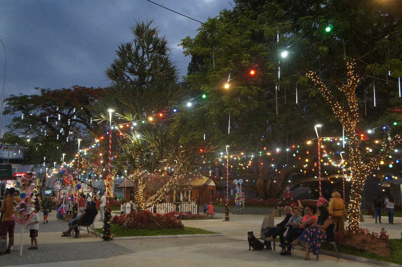 CDL Brusque e Prefeitura acendem as luzes de Natal nesta sexta-feira, 04
