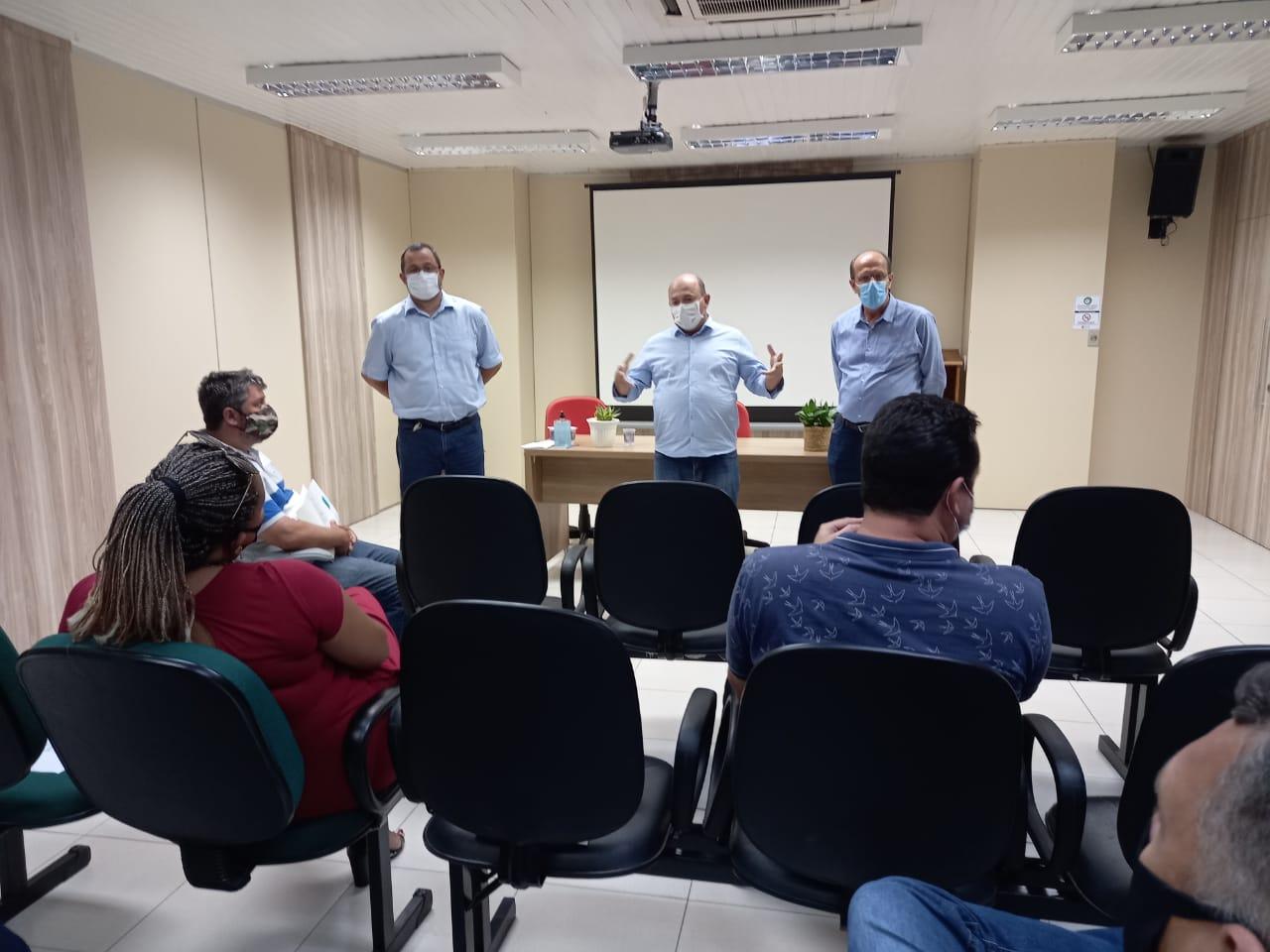 Vereadores eleitos participam de reunião na Prefeitura