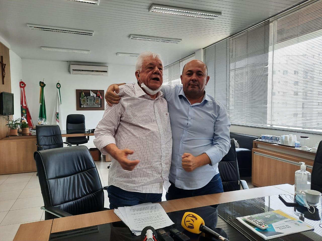 Prefeito e vice de Brusque realizam balanço da gestão