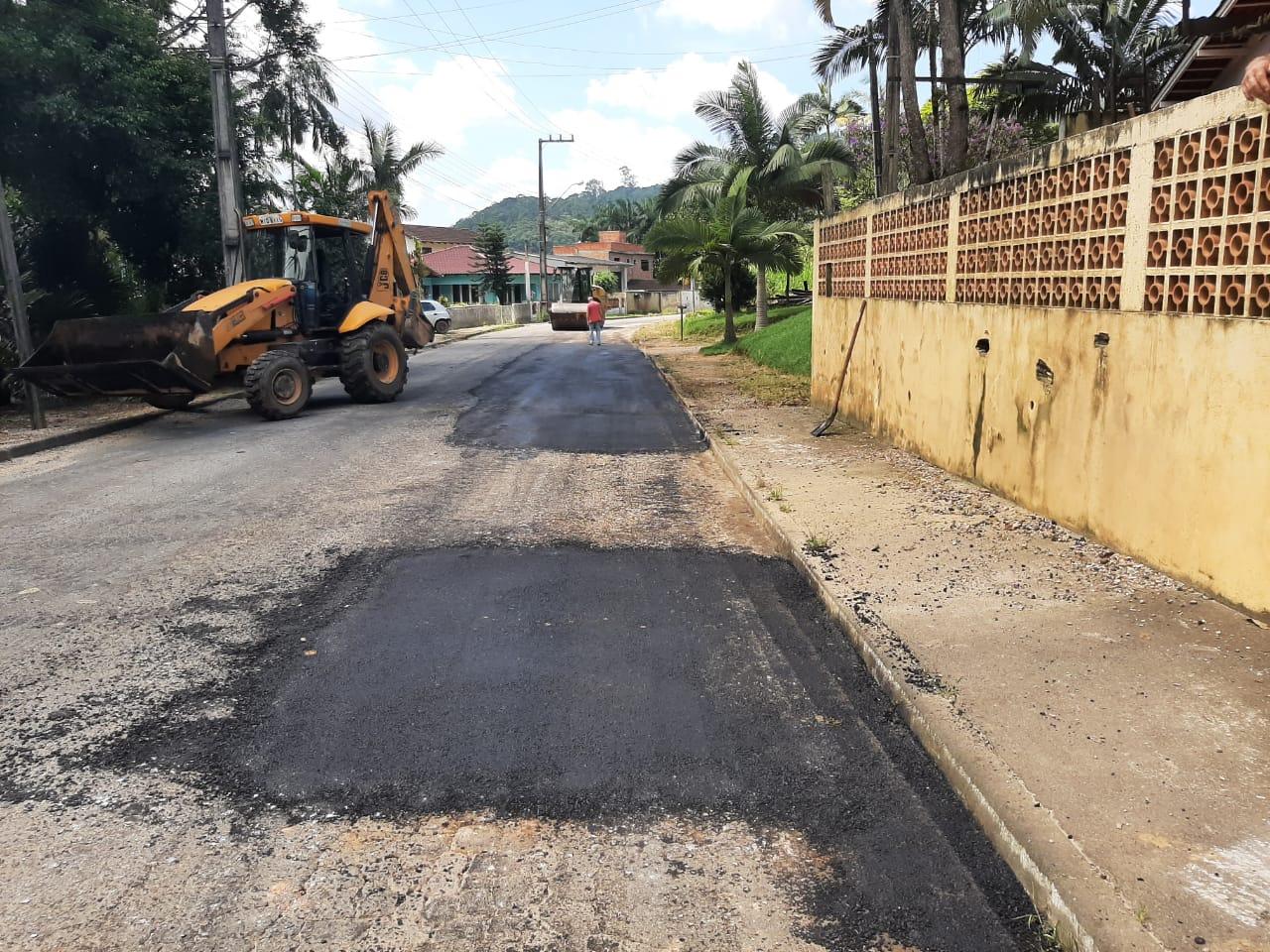 Secretaria de Obras tem diversas frentes de trabalho em continuidade as ações após as chuvas