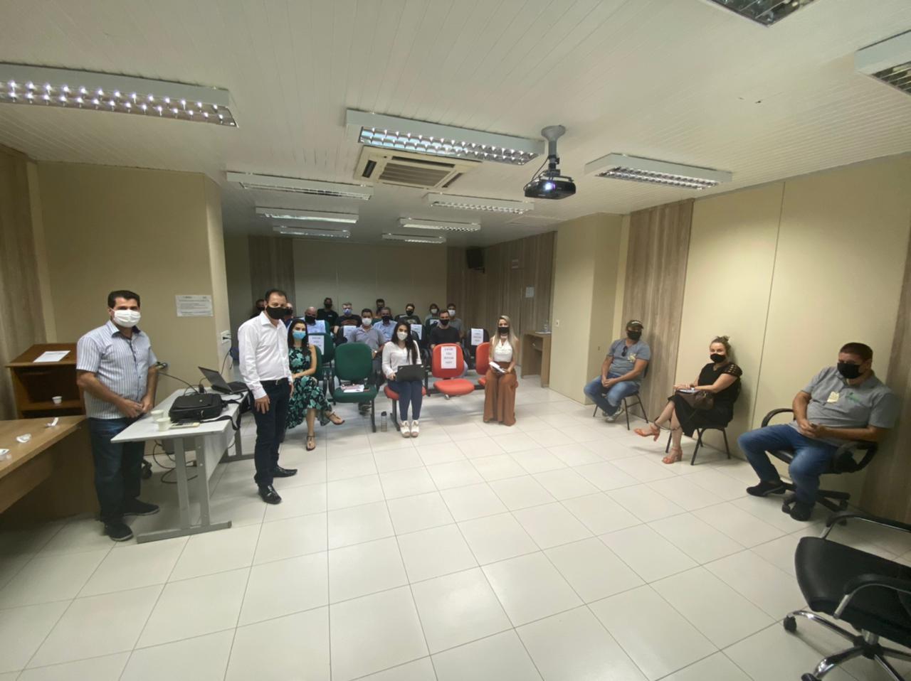 Secretaria de Desenvolvimento Social realiza reunião sobre Regularização Fundiária
