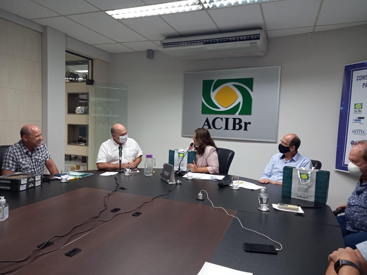 Prefeito de Brusque participa de reunião na Associação Empresarial de Brusque
