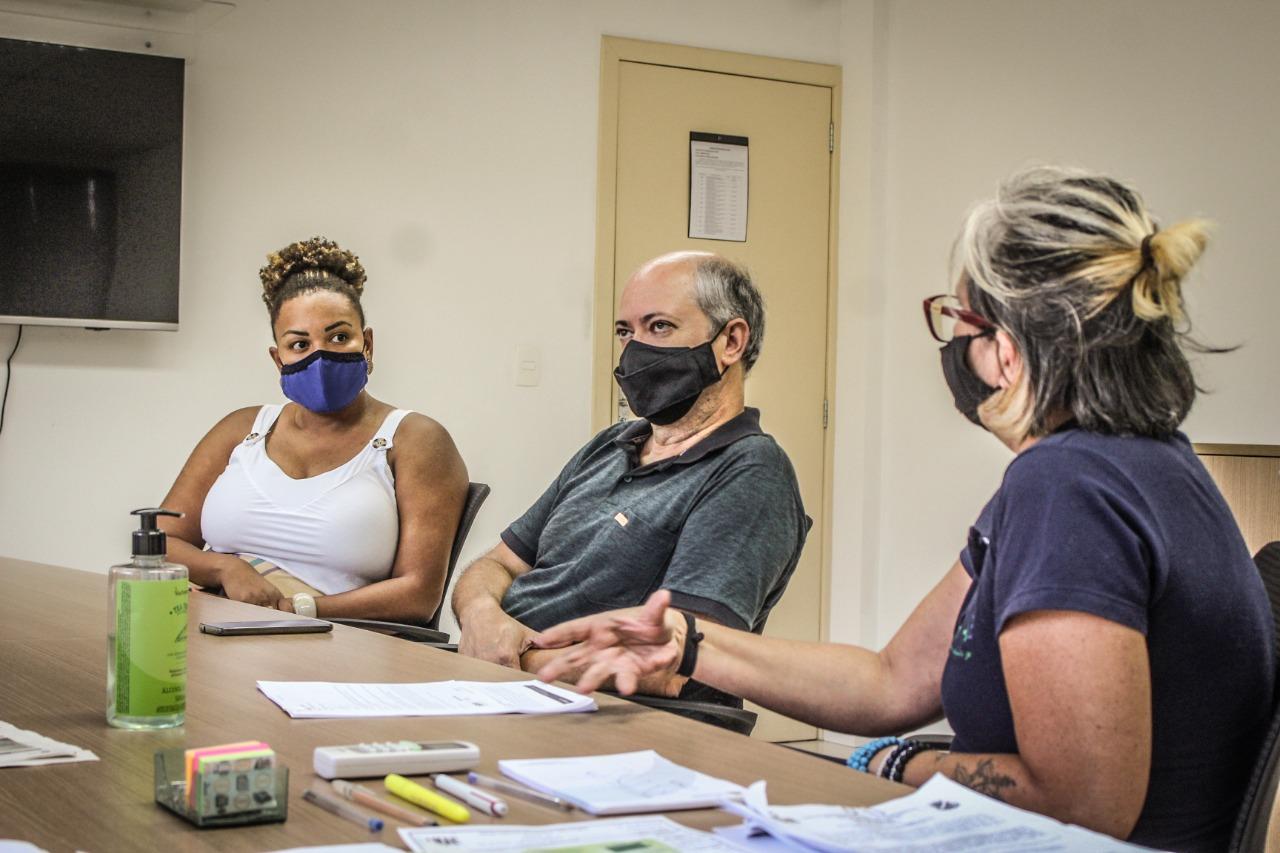 Convidados pelo Samae, vereadora e professor conversam sobre preservação