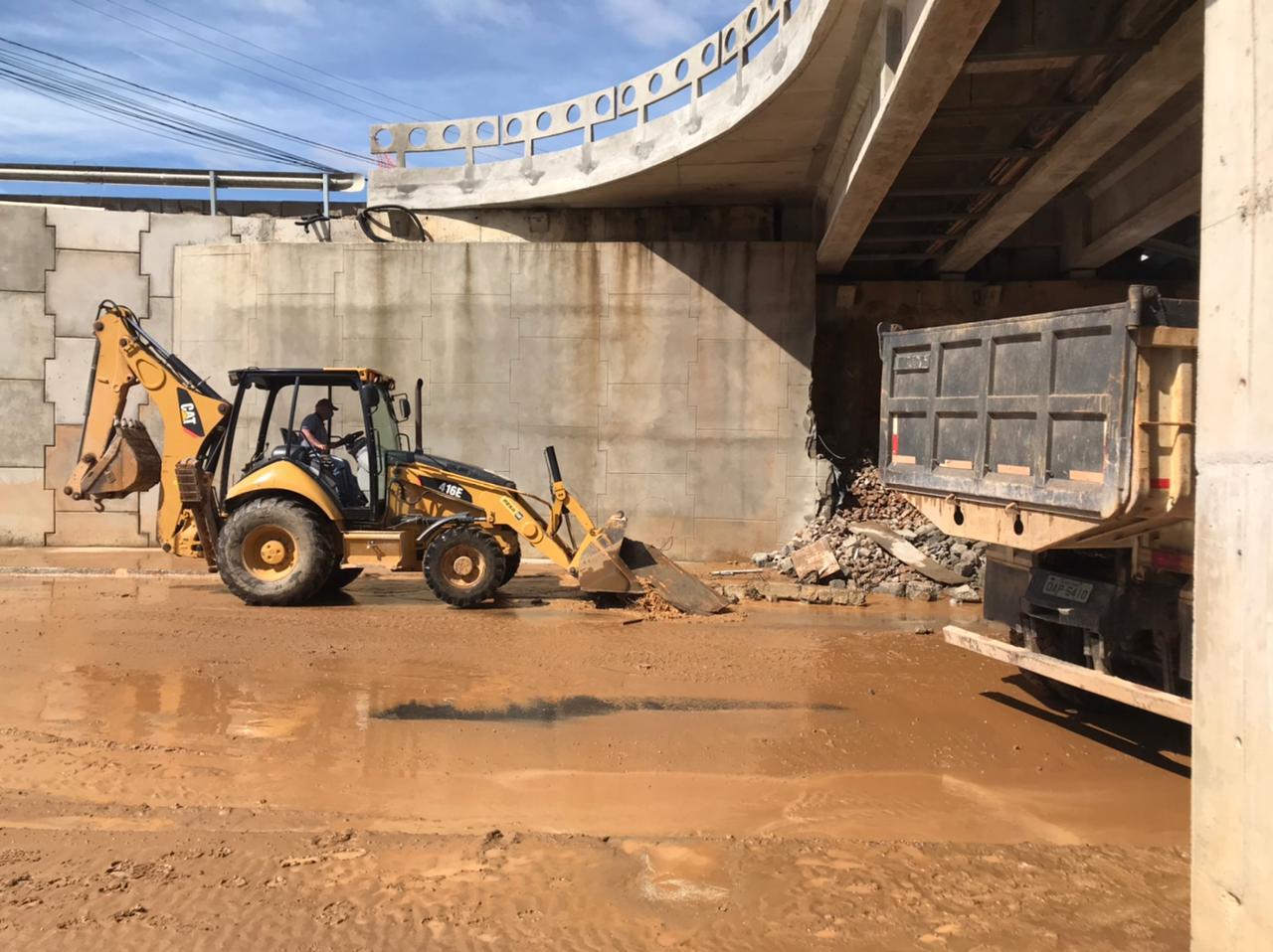 Secretaria de Infraestrutura Estratégica registra novos danos na cabeceira da ponte dos bombeiros