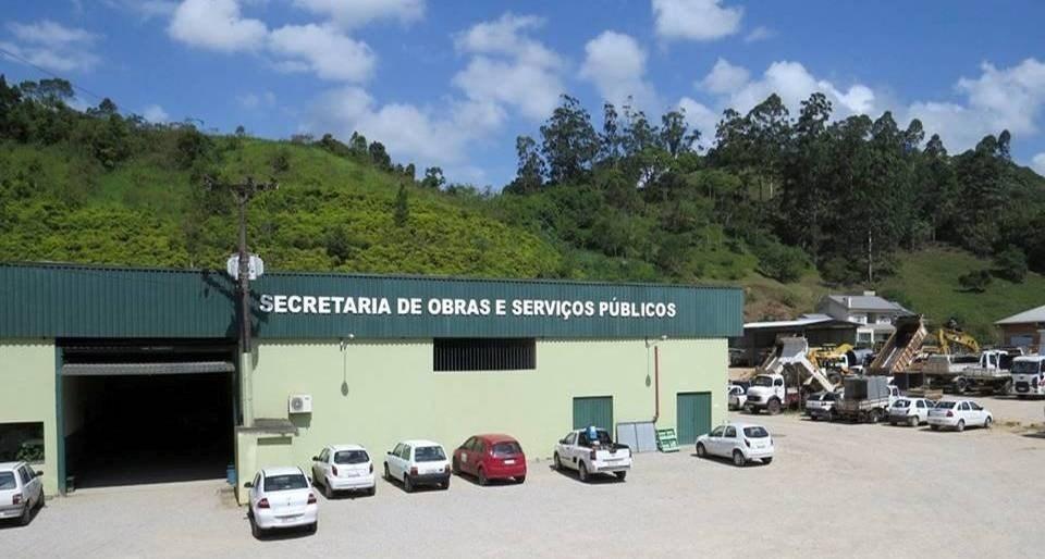 Prefeitura distribui senhas para inscrições no processo seletivo da Secretaria de Obras