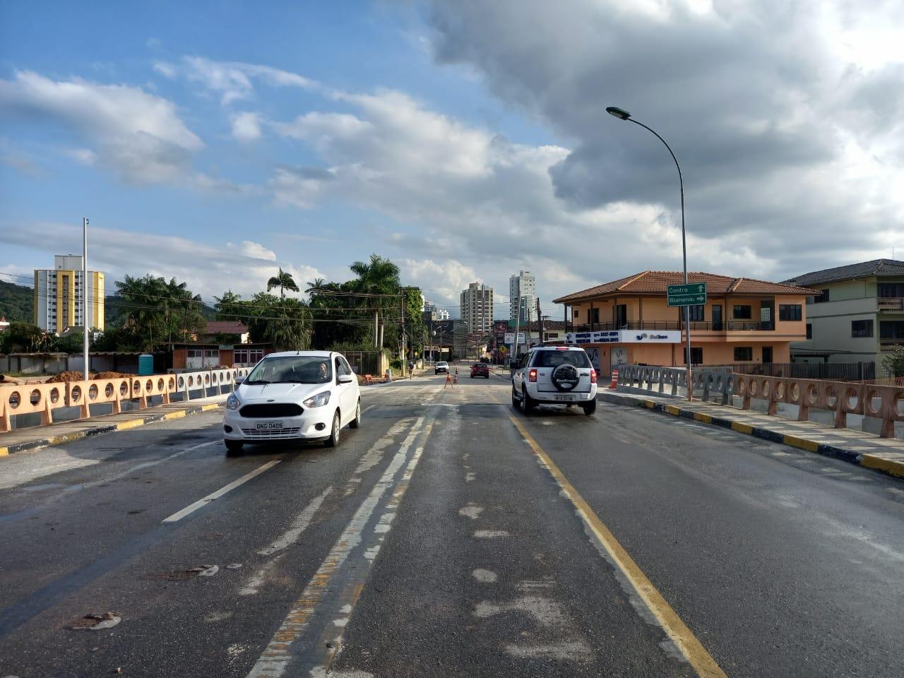 Ponte do Bombeiro está reaberta para o trânsito