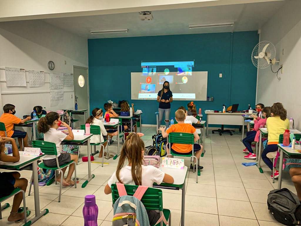 Samae palestra sobre a água no SESI Escola