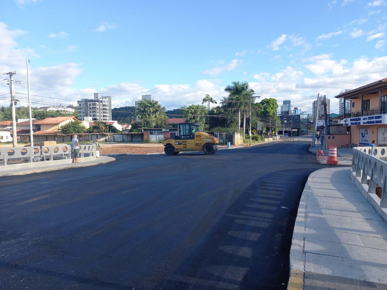 Obra de asfalto na Ponte Mário Olinger, a Ponte dos Bombeiros, é concluída