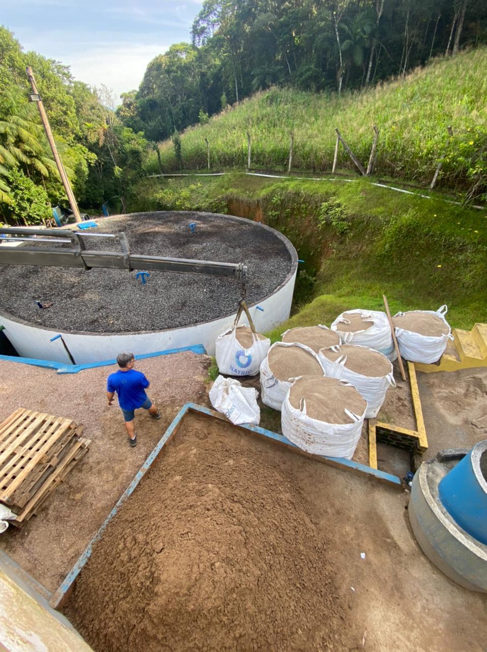 Domingo de trabalho intenso no Samae Brusque