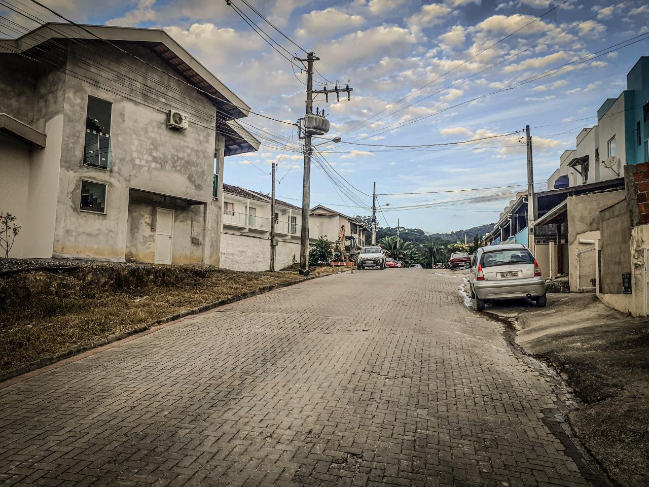 Moradores do Tomaz Coelho comemoram pressurização de rede em ruas altas