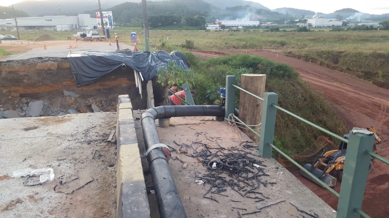 Samae finaliza recuperação de adutora atingida por queda de cabeceira de ponte