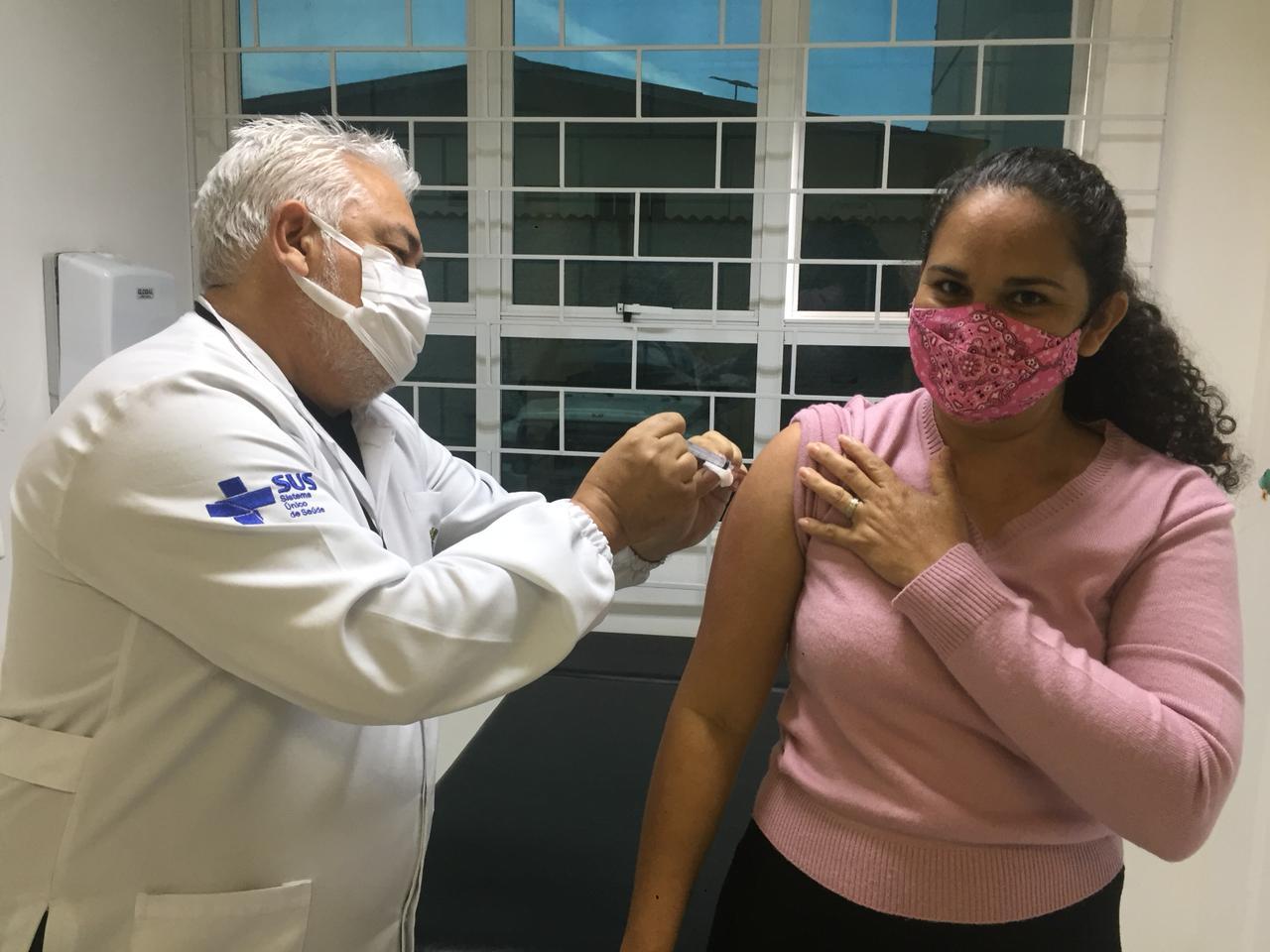 Vacina contra a Influenza está disponível a todos os profissionais da Educação