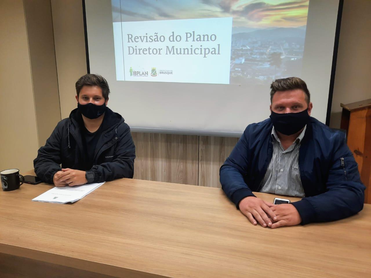 Revisão do Plano diretor é tema de reunião na Prefeitura de Brusque
