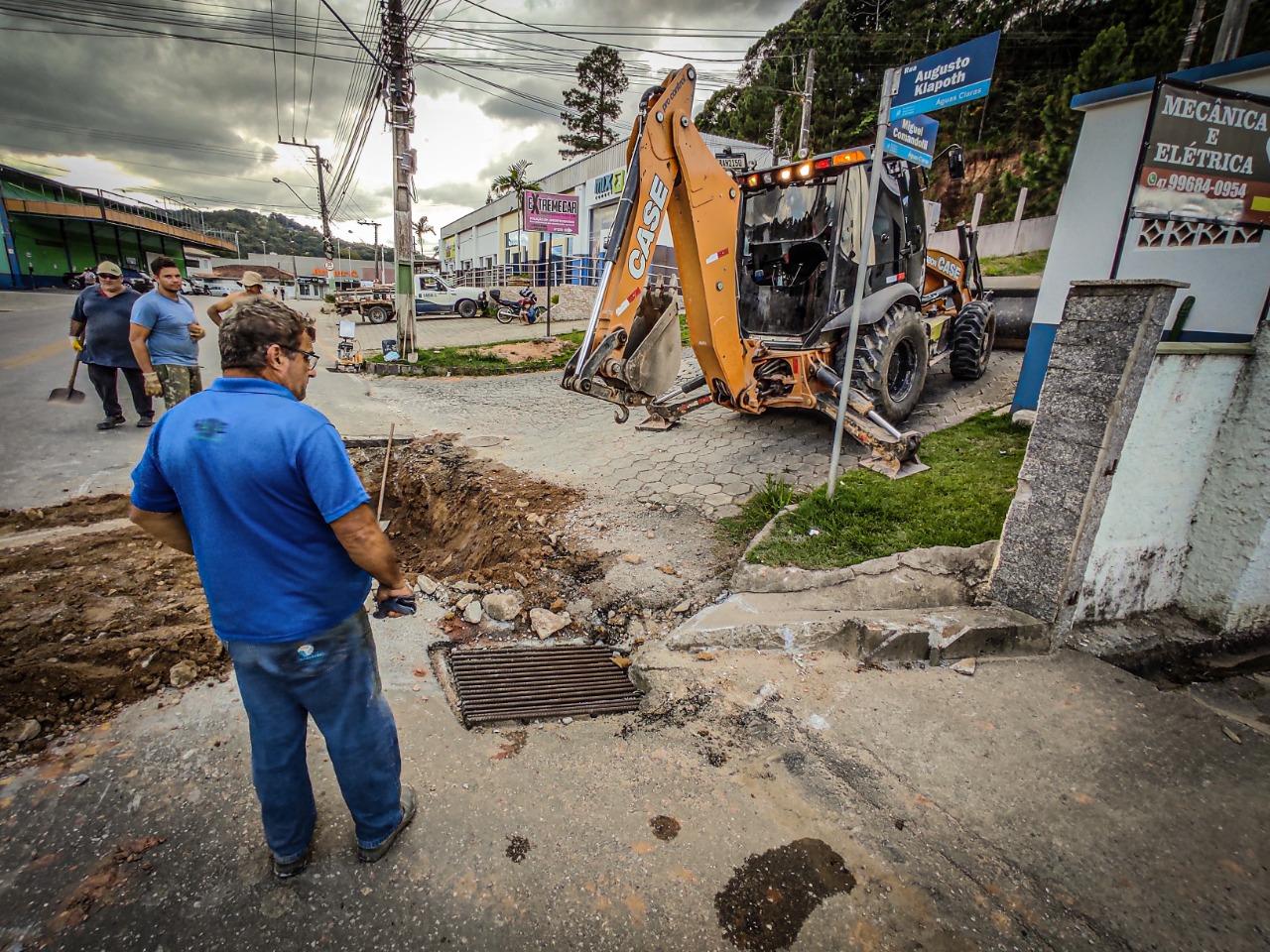 Obras do Samae na rua Germano Klann solucionam histórico de desabastecimento